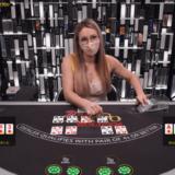 ツーハンドカジノホールデム プレイ画像