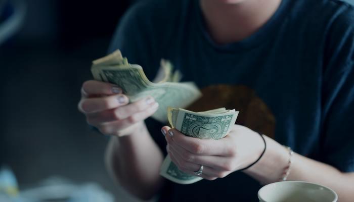 ポーカー 資金に余裕がない